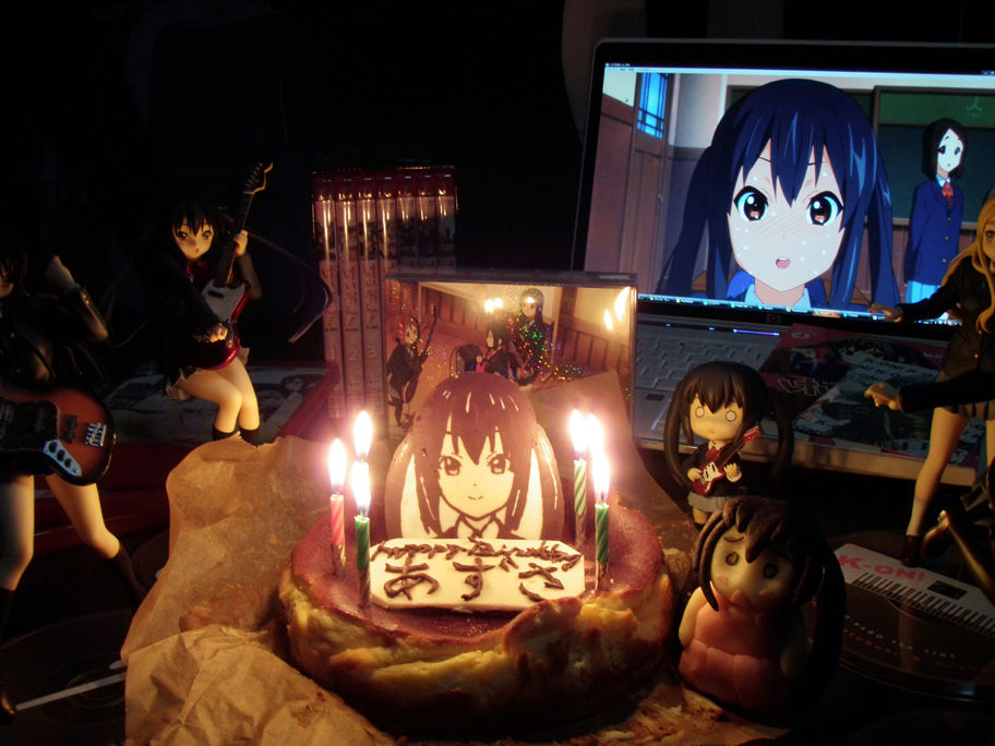 2d_dating birthday black_hair cake candle computer figure food k-on! lonely nakano_azusa nendoroid photo twintails