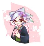 +_+ 1girl artist_name black_kimono brown_eyes cherry_blossoms closed_mouth commentary cropped_torso dango domino_mask earrings floral_background food gradient_hair green_hair grey_hair hair_ornament hands_together holding holding_food hotaru_(splatoon) japanese_clothes jewelry kimono long_sleeves looking_at_viewer mask mole mole_under_eye multicolored_hair pointy_ears short_hair signature smile solo splatoon splatoon_2 standing taimu tentacle_hair upper_body wagashi wide_sleeves
