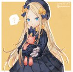 1girl :o ? abigail_williams_(fate/grand_order) bangs black_bow black_dress black_hat blonde_hair blue_eyes bow commentary_request dated dress eyebrows_visible_through_hair fate/grand_order fate_(series) forehead hair_bow hat highres long_hair long_sleeves looking_at_viewer object_hug orange_bow parted_bangs parted_lips polka_dot polka_dot_bow shionty simple_background sleeves_past_fingers sleeves_past_wrists solo spoken_question_mark stuffed_animal stuffed_toy teddy_bear twitter_username very_long_hair