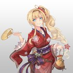 1girl alternate_costume alternate_hairstyle bag blonde_hair blue_eyes blush braid breasts commentary_request fan granblue_fantasy grey_background grin holding holding_bag holding_fan japanese_clothes kimono large_breasts long_braid long_hair looking_at_viewer nail_polish red_kimono red_nails side_braid single_braid smile solo very_long_hair yukata yuki7128 zeta_(granblue_fantasy)