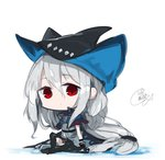 1girl arknights bangs beni_shake black_cape black_gloves black_headwear black_pants cape chibi closed_mouth commentary_request eyebrows_visible_through_hair full_body gloves grey_shirt hair_between_eyes hat long_hair looking_at_viewer pants red_eyes shirt signature silver_hair sitting skadi_(arknights) solo very_long_hair white_background