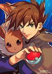 1boy blue_background bright_pupils brown_cape brown_hair closed_mouth eevee green_eyes highres holding holding_poke_ball kotatsu_(g-rough) long_sleeves looking_at_viewer male_focus ookido_shigeru poke_ball poke_ball_(generic) pokemon pokemon_(anime) signature smile solo upper_body