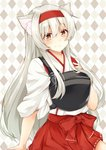 1girl animal_ear_fluff animal_ears argyle argyle_background brown_eyes cat_ears commentary_request eyebrows_visible_through_hair hairband hakama_skirt headband highres izumo_ayuka japanese_clothes kantai_collection long_hair muneate shoukaku_(kantai_collection) sidelocks silver_hair smile solo white_hair