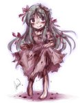 1girl aosora_(mizore) barefoot blood blood_on_face bloody_clothes bow dress green_hair long_hair original pink_bow pink_dress pink_eyes smile solo torn_clothes torn_dress
