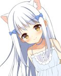 1girl animal_ear_fluff animal_ears bangs bare_shoulders blue_choker blue_dress blush bow brown_eyes cat_ears choker closed_mouth collarbone commentary_request dress eyebrows_visible_through_hair hair_bow long_hair mauve original red_bow simple_background sleeveless sleeveless_dress smile solo white_background white_hair