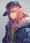 1girl bangs baseball_cap blue_hat blue_jacket closed_mouth collarbone commentary_request darling_in_the_franxx drawstring eyebrows_visible_through_hair fur-trimmed_hood fur_trim green_eyes green_shirt grey_background hat head_tilt hood hood_down hooded_jacket horns_through_headwear jacket long_hair open_clothes open_jacket pink_hair qiongsheng shirt sideways_hat signature simple_background solo tongue tongue_out very_long_hair zero_two_(darling_in_the_franxx)