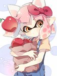 1girl animal_ears apple bag bangs blunt_bangs bow cat_ears circle commentary copyright_name cosplay domino_mask english_text food fruit hair_bow head_tilt hello_kitty hello_kitty_(character) hello_kitty_(character)_(cosplay) holding inkling looking_at_viewer mask orange_eyes overalls paper_bag pink_hair pointy_ears red_bow sen_squid shirt short_hair short_sleeves splatoon_(series) splatoon_2 standing symbol_commentary tentacle_hair upper_body yellow_shirt