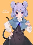 1girl ahoge akagashi_hagane animal_ears bangs black_skirt blush capelet commentary cowboy_shot dated grey_hair hand_on_hip hand_up jewelry light_smile long_sleeves looking_at_viewer medium_hair mouse mouse_ears mouse_girl mouse_tail nazrin orange_background pendant purple_eyes simple_background skirt skirt_set solo tail touhou translated